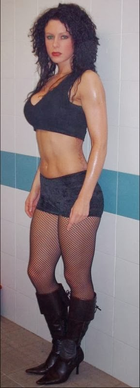 Lisa Fury - English Female Professional Wrestlers