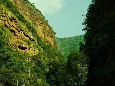Temple of Secrets: Ahobilam Nava Narasimha Temples- అహోబిల జ్వాలా నరసింహస్వామి - నవ నరసింహస్వామి క్షేత్రాలు- ఎగువ అహోబిలం - దిగువ అహోబిలం - ఉగ్ర స్థంభం- ప్రహ్లాదమెట్టు -అహోబిలమఠం పూర్తి సమాచారం