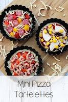 http://www.kleinekoje.de/2017/08/mini-pizza-tartelettes.html