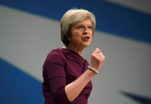 Theresa May acepta debatir sobre el brexit ante el Parlamento