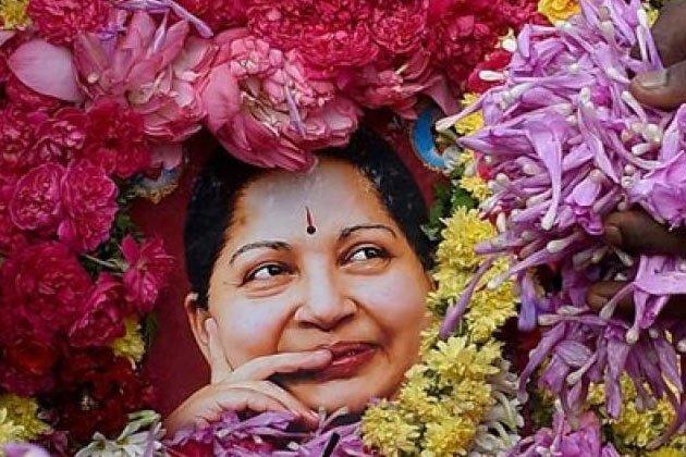 ஜெயலலிதா மறைவு: இந்திய கிரிக்கெட் வீரர்கள் கருப்பு பேண்ட் அணிந்து விளையாட முடிவு