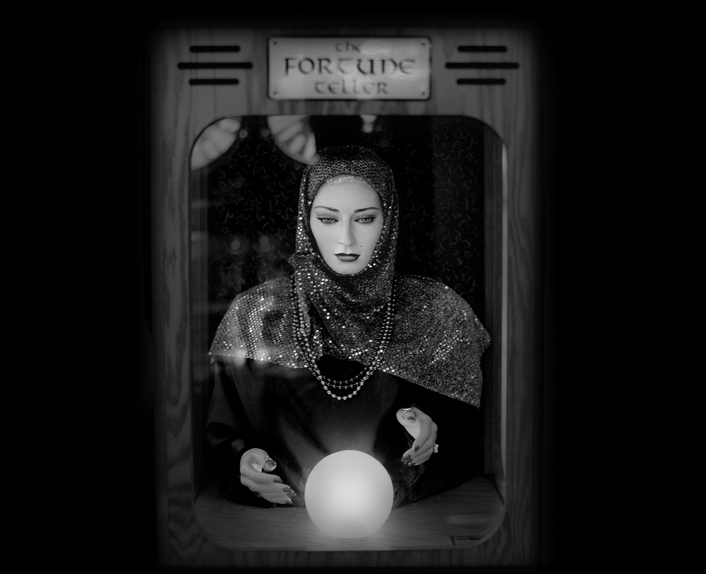 06-Carousel-Arcade-Fortune-Teller-Michael-Massaia-Black-and-White-Photographs-Funfair-and-Pinball-Machine-www-designstack-co