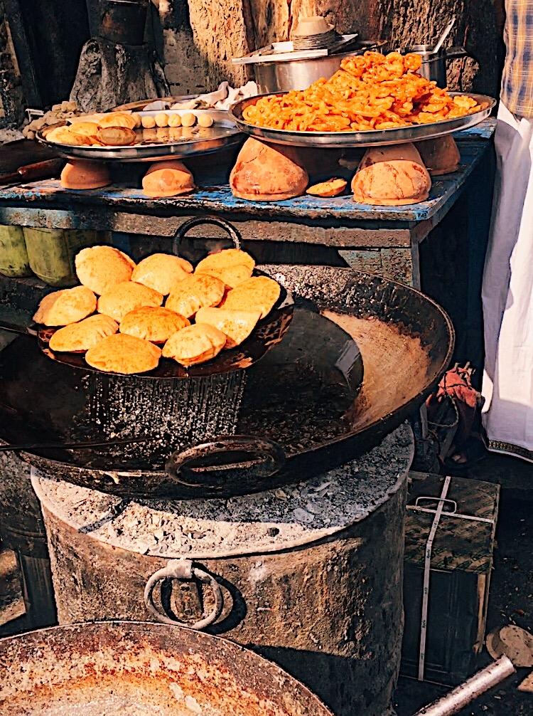 food varanasi, varanasi travel guide, vranasai information, tips on varanasi, travel varanasi, spiritual capital of india, city of temples, indian travel blogger, uk blog, benares travel