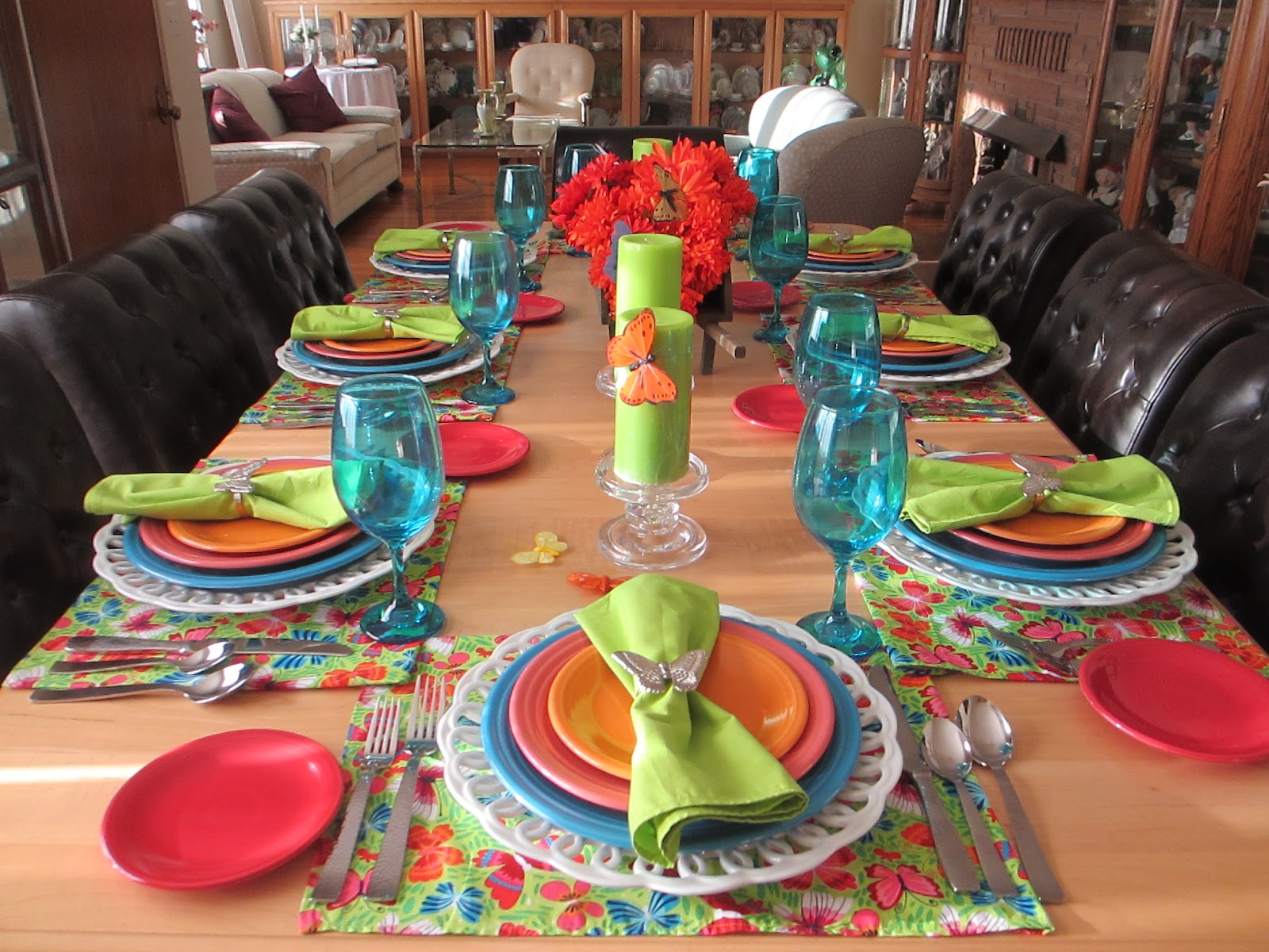 Bold And Colorful   Jennifer Managed To Use Every Color From The Place Mat