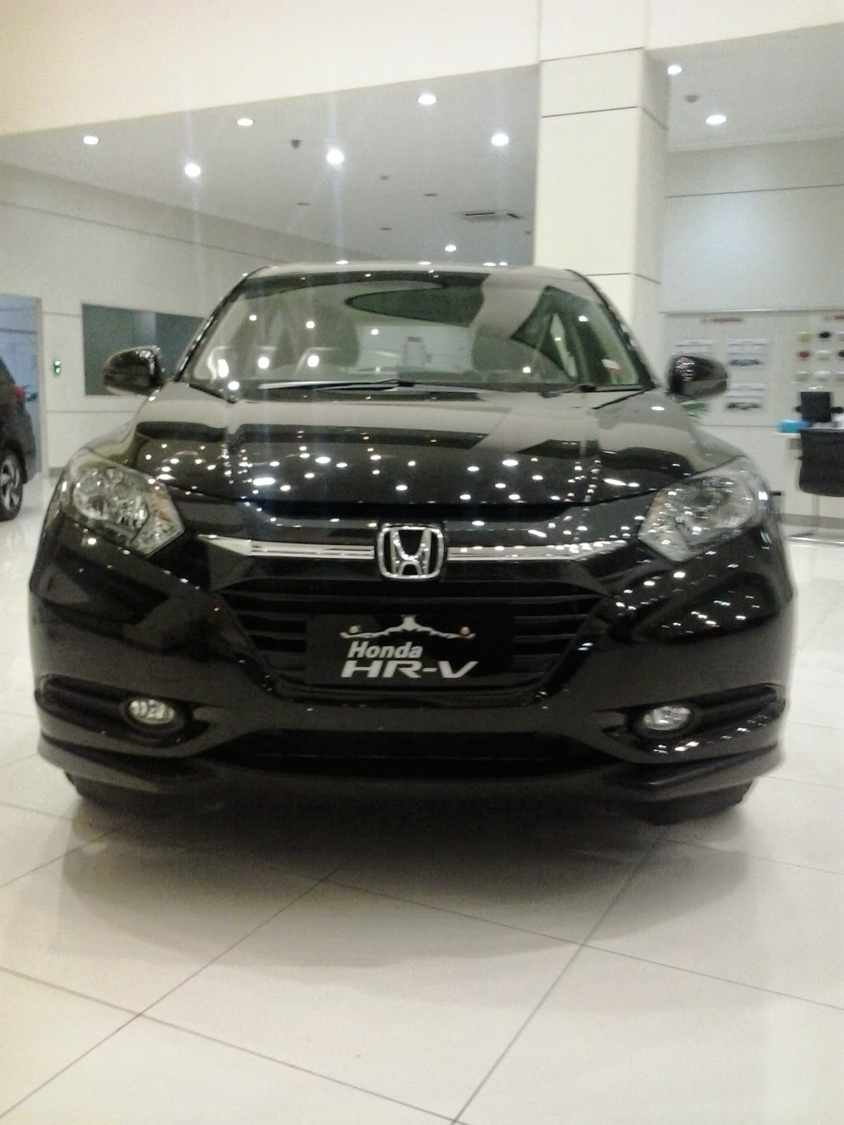 Honda HRV Crytsal Black Pearl