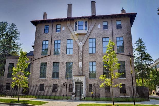 Bend Isabella Stewart Gardner Museum Eclectic