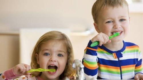 3 Cara Mencegah Gigi Menjadi Kuning