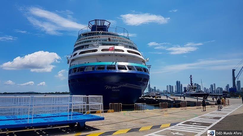 Navio Monarch no porto de Cartagena - Roteiro de 4 dias em Cartagena, Colômbia