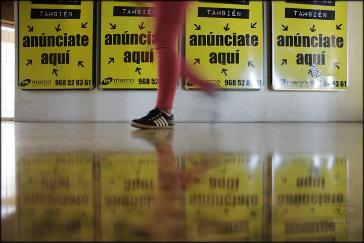 cartagena,carteles,estacion,bus,publicidad,arriba_extraña