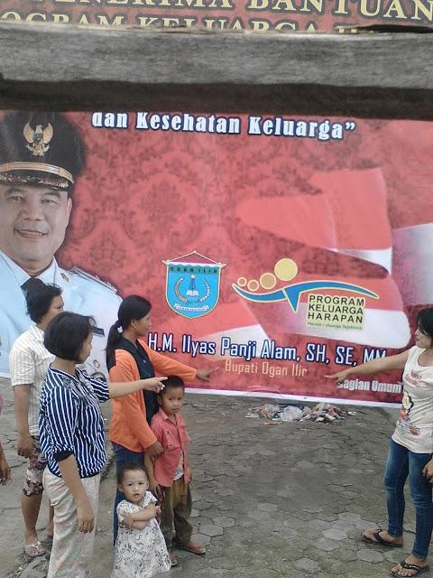Warga Pertanyakan Banner Bertuliskan Bupati, Bukan Plt