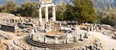 Templo de Atenea en Delfos, Grecia
