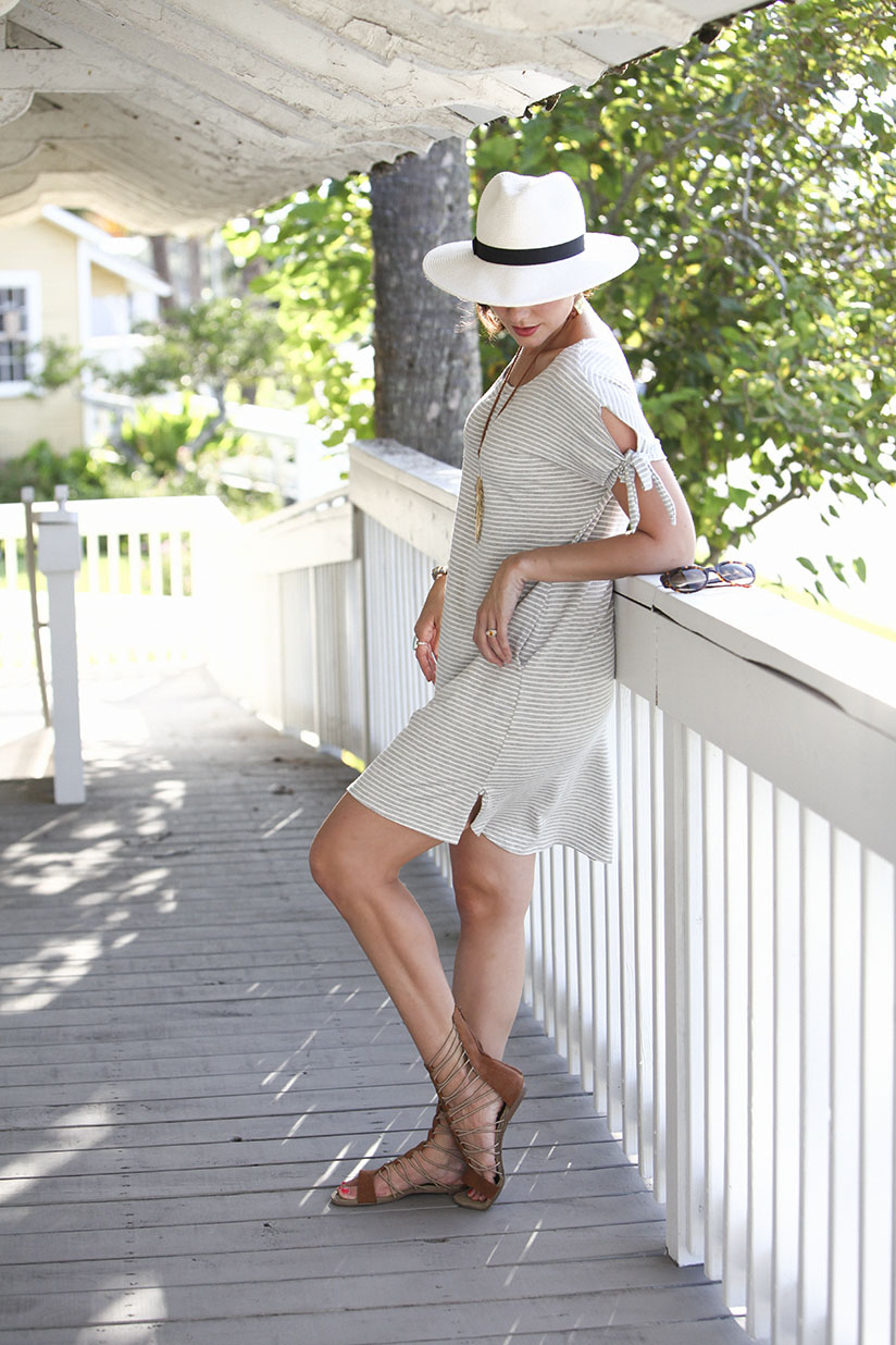 Amy West relaxes in this coastal chic look