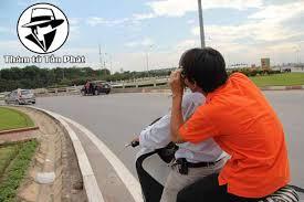 Thám tử tư Bình Dương đang theo dõi ngoại tình tại thành phố Thủ Dầu Một