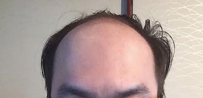 髪をオールバック