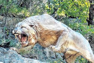Sainstis Berusaha Hidupkan Singa Mati