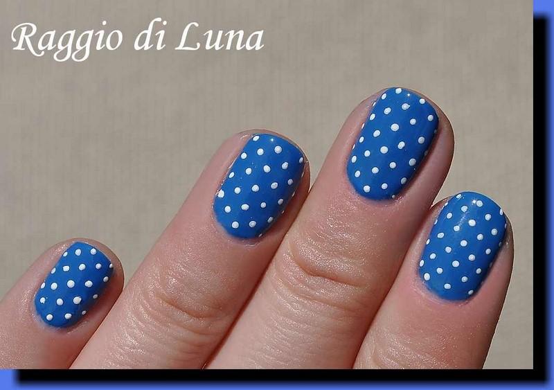 Raggio di Luna Nails: UV gel manicure - White dots on blue