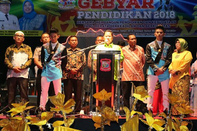 Acara penutup secara resmi Gebyar Pendidikan Kota Tanjungbalai Tahun 2018 di Lapangan Sultan Abdul Jalil Rahmadsyah, Tanjungbalai.
