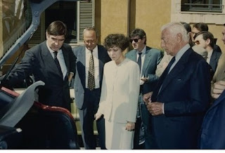 Pivetti pictured with the former head of Fiat, Gianni Agnelli  (right), while on official duty as Chamber of Deputies chairman