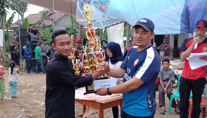 Diva FC Juara I Open Turnamen Sepakbola Ketua KTI Lambar