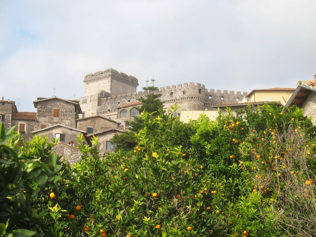 Erik+il+Rosso - Burgo Medieval e Castelo de Sermoneta
