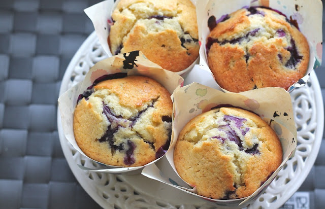 blueberry sour cream muffins, healthy breakfast muffin, maple pumpkin blender muffins,