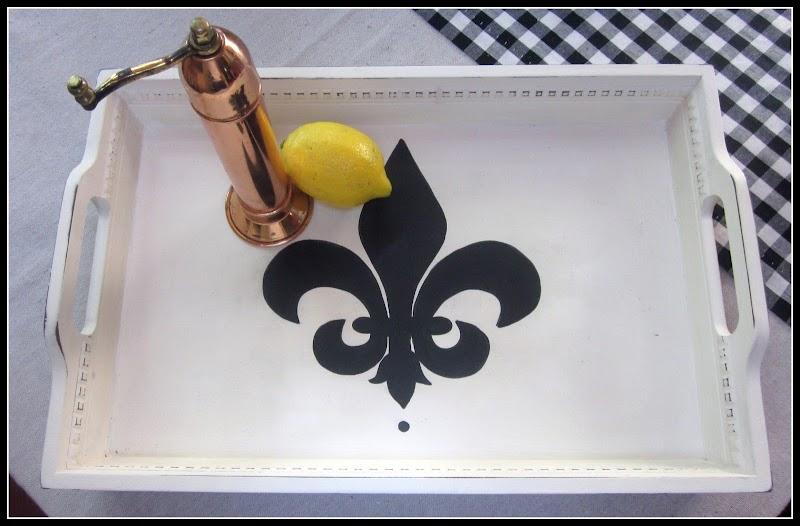 How to DIY a Fleur de Lis Tray