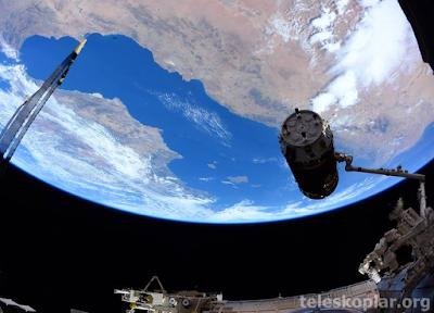 Uzaydan Kıtalar fotoğrafı