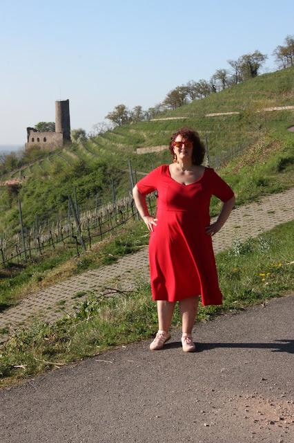 rotes Kleid, Plussize, Manon Baptiste, Ü50 Mode, Große Größen