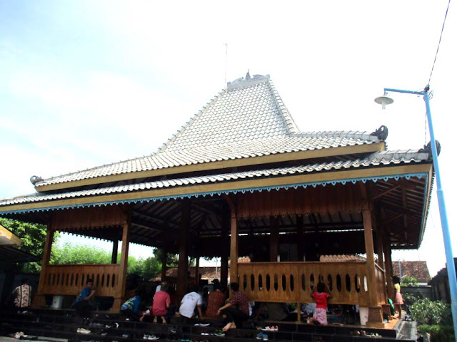 rumah joglo masyarakat samin