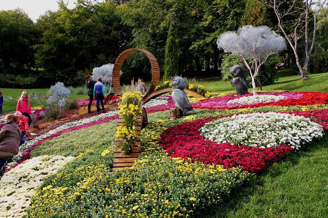 Цветочная композиция цветоводов Дарницы