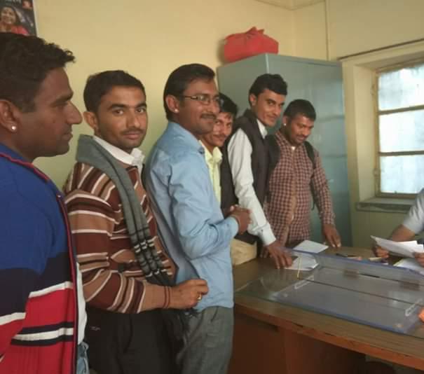 समायोजन की मांग को लेकर ऑल राजस्थान कंप्यूटर शिक्षक संघ के पदाधिकारियों ने जिला कलेक्टर को सौंपा ज्ञापन