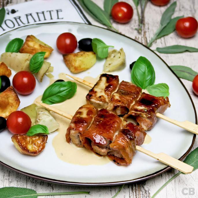 Italiaanse varkenshaasspiesjes met parmaham en salie