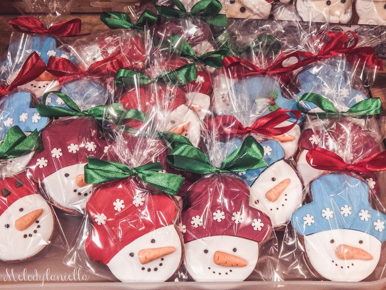 4 nietypowy jarmark świąteczny piotrkowska 217 co dzieje się w łodzi dwukropek ogrody zofii bożonarodzeniowy jarmark targ świąteczny świat z lukru pierniki świąteczne łódź biżuteria handmade piando zigner