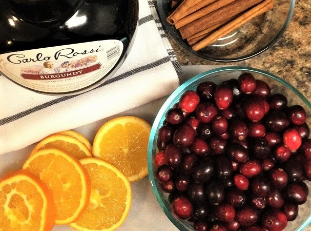 http://www.krisztinaclifton.com/2016/12/cranberry-mulled-wine.html