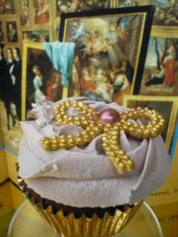 cupcake met rode wijn topping frosting toef