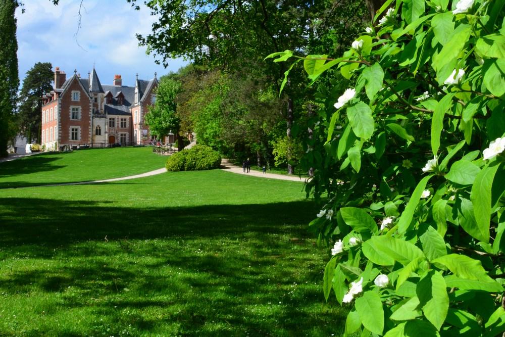 C'est ici que Léonard passa les trois dernières années de sa vie, dans le calme du jardin, pourtant situé en plein coeur d'Amboise.