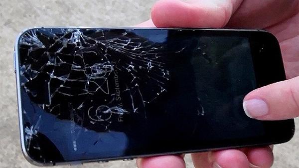 mặt kính Nokia Lumia 930 bị vỡ