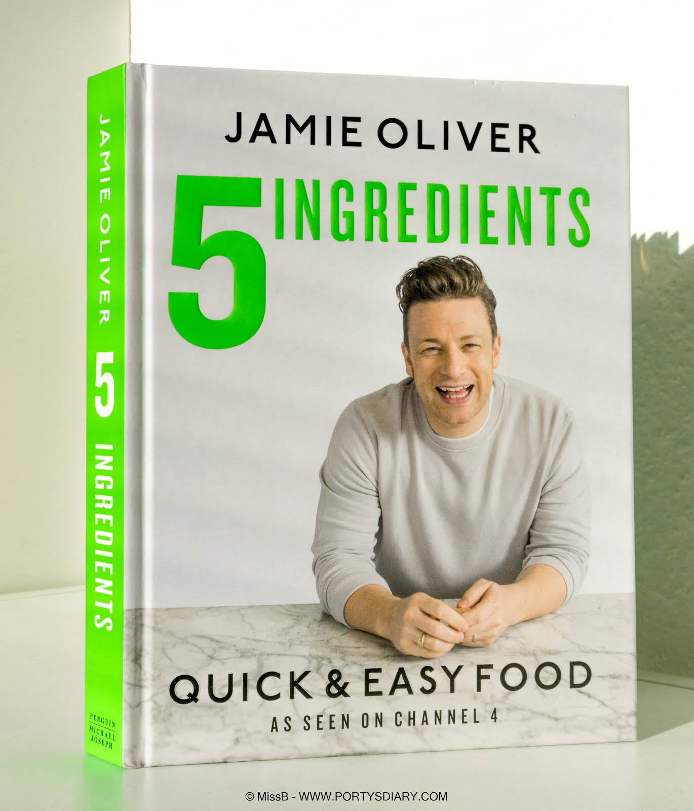 Favorite cooking book of the moment + recipe | 5 Ingredients by Jamie Oliver | Super Green Spaghetti. Porty's Diary.