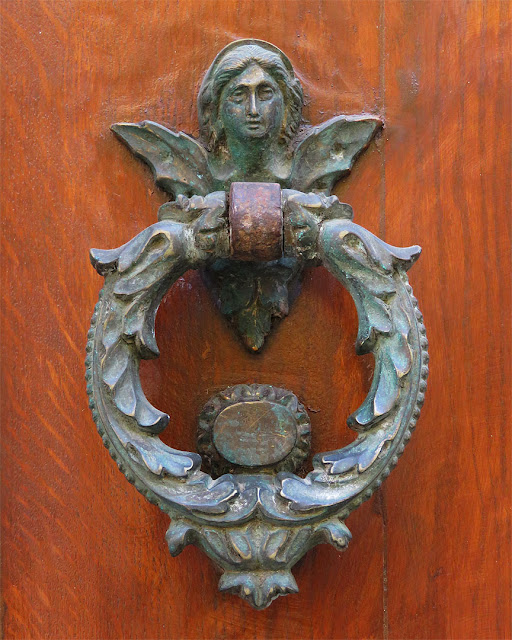 Front door handle, Viale Marconi, Livorno