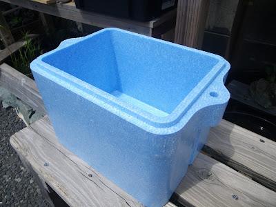 発泡スチロールの容器