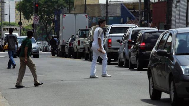 Atenção! Multa para pedestres e ciclistas passa a valer este ano