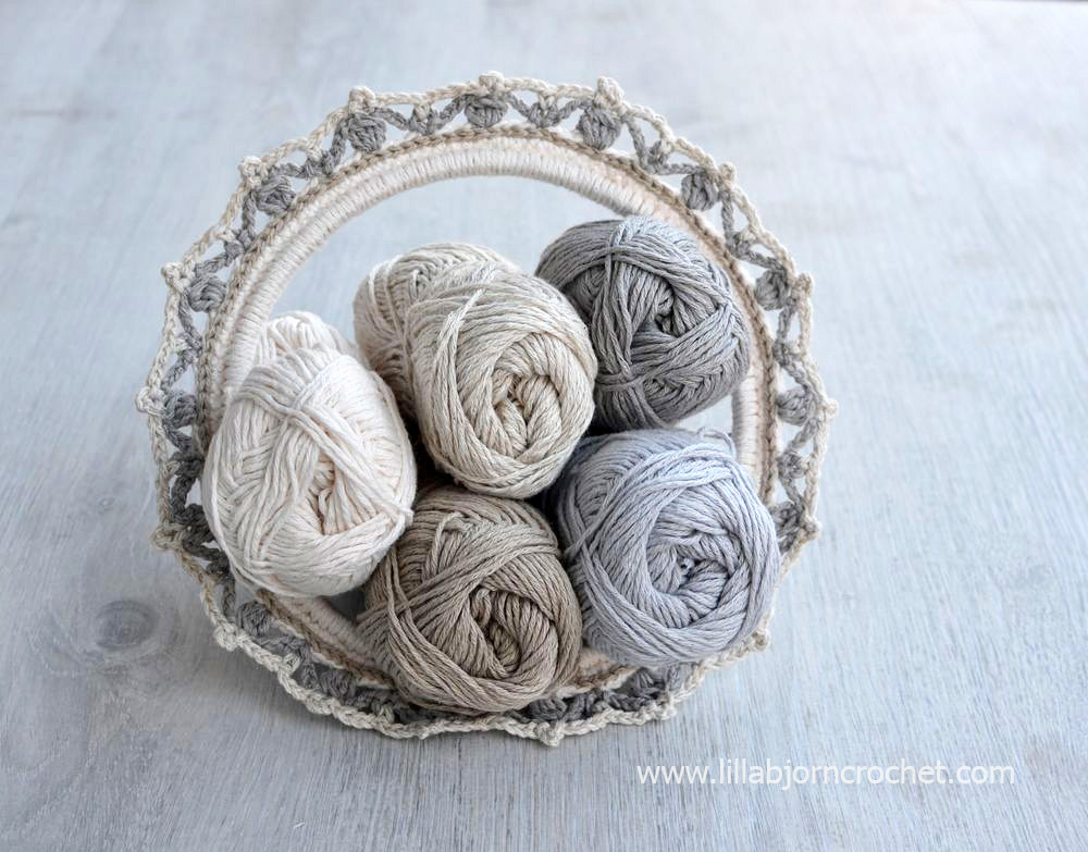 Crochet desings with embroidery hoop by Lilla Bjorn Crochet