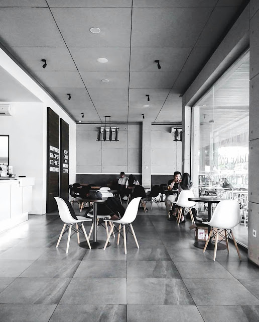 cafe yang bagus di malang, cafe romantis di malang, cafe murah di malang, cafe untuk mahasiswa di malang, cafe untuk mengerjakan tugas di malang, cafe terbaik di malang, cafe dengan kopi yang enak di malang, cafe yang nyaman di malang, cafe yang nyaman untuk kerja di malang