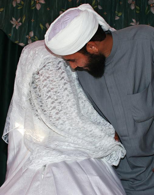http://3.bp.blogspot.com/-c0kZS3pGeUY/T-rMJ6K6b_I/AAAAAAAAAVE/_QCARD7xFtY/s1600/234921-niqab-full-veil.jpg