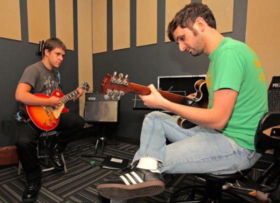 Belajar, Gitar