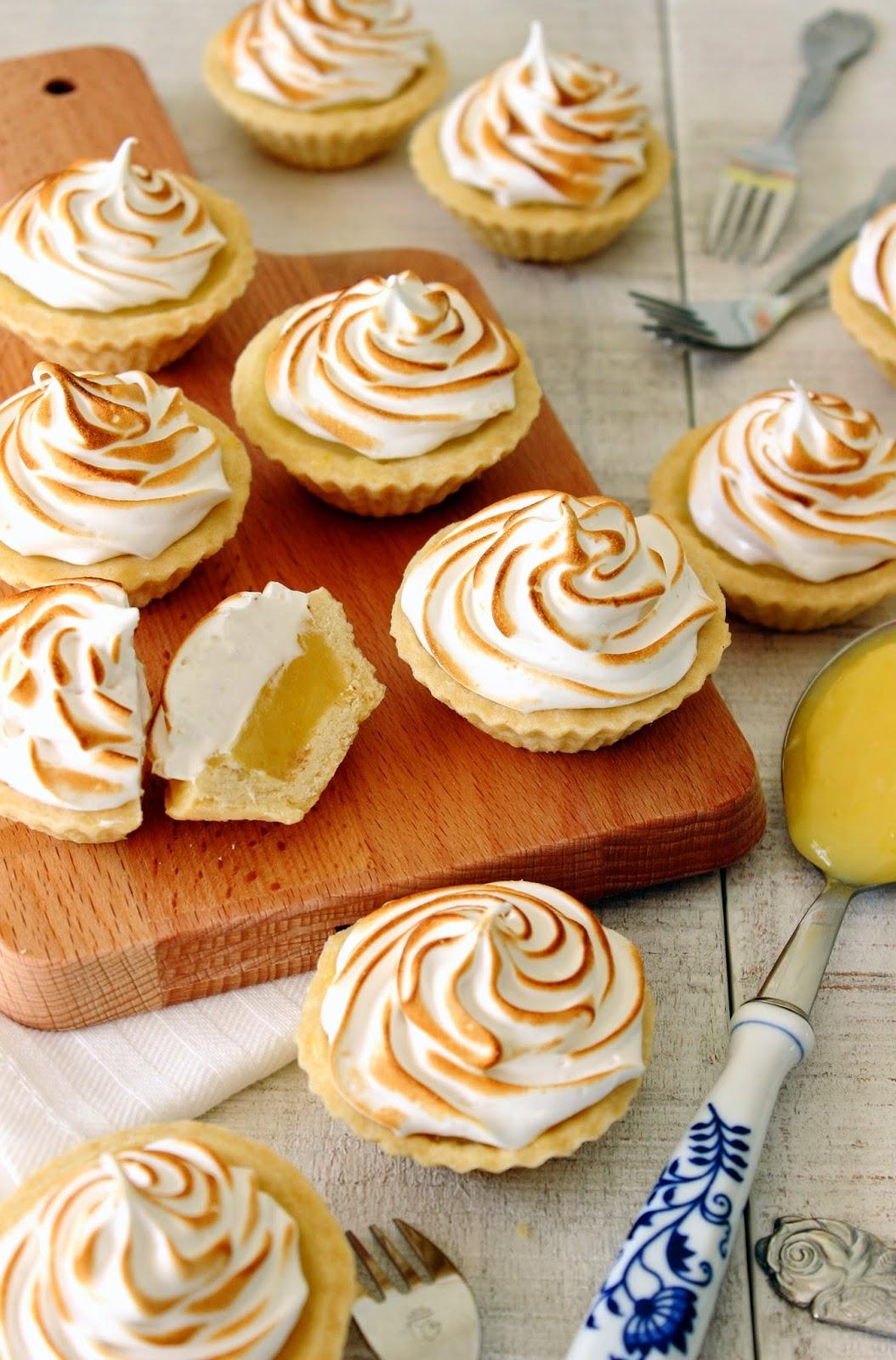 Mini citroen meringue taartjes / Mini lemon meringue pies