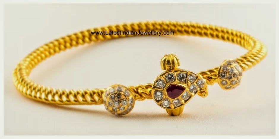 Rope Style Twisted Design Bangle
