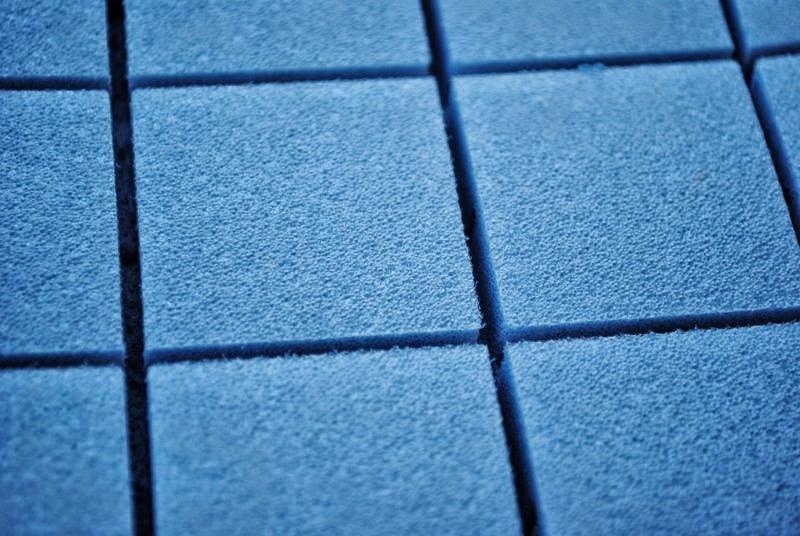 Malla de drenaje para colocación de cesped artificial en terrazas y ...