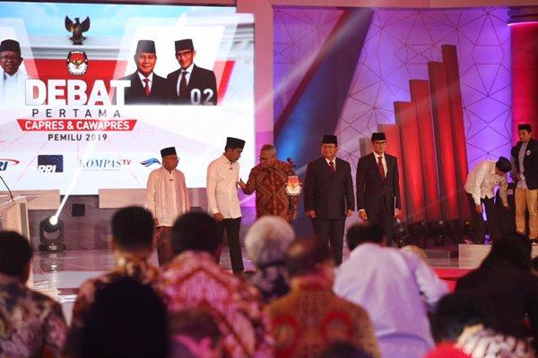 Prabowo Mau Naikkan Gaji PNS, Jokowi Tak Setuju