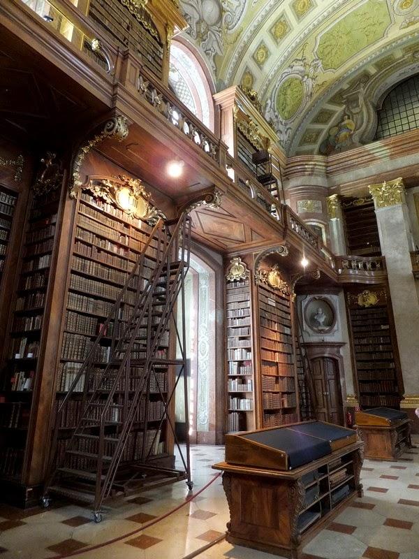 Vienne Wien bibliothèque Prunksaal baroque